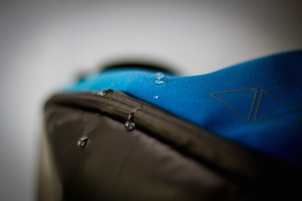Aster - Waterproof Zippers